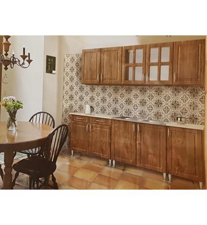 Szóval van egy jó bútorüzlet Szekszárd városában, a volt Patyolat épületében. A konyhabútor mellett természetesen sok mást is árulnak, kanapék, szekrénysorok, franciaágyak, előszobafalak, irodabútorok egyaránt kaphatók náluk.